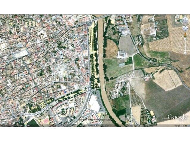 la ciudad islámica no planificada, irregular muy similares entre ellas lo importante la vivienda poca jerarquía en calles,...