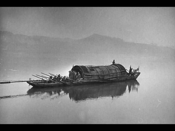 Kessel even imagined a dam canbe built in the Three Gorges.