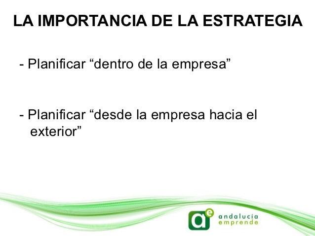 """LA IMPORTANCIA DE LA ESTRATEGIAOrganización """"dentro de la empresa"""":- Confianza en las redes sociales- Reparto de personal ..."""