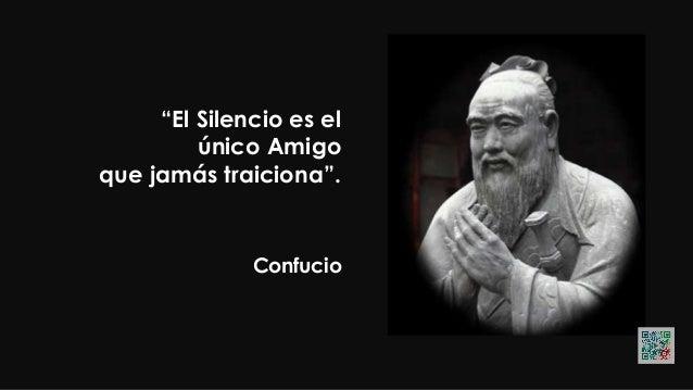 """Confucio """"Los más sabios y los más tontos Son los únicos que no se alteran""""."""