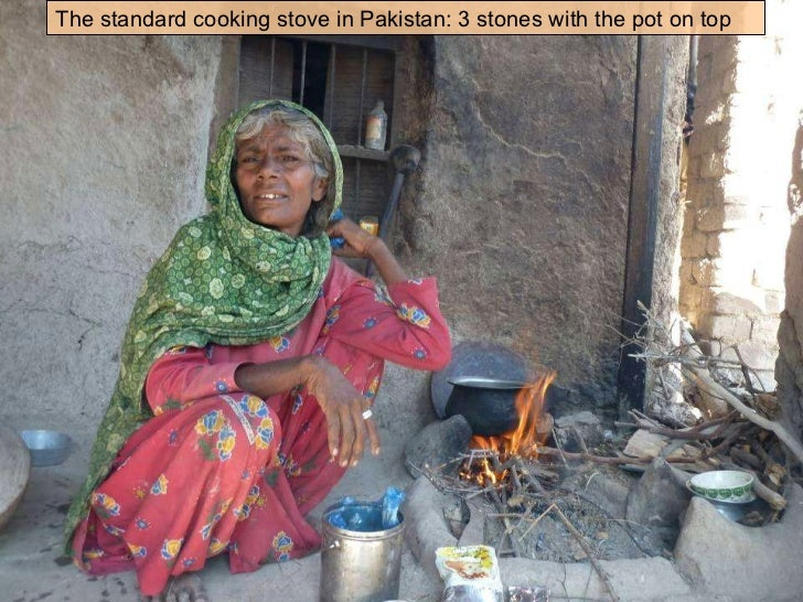The standard cooking stove in Pakistan: 3 stones with the pot on top
