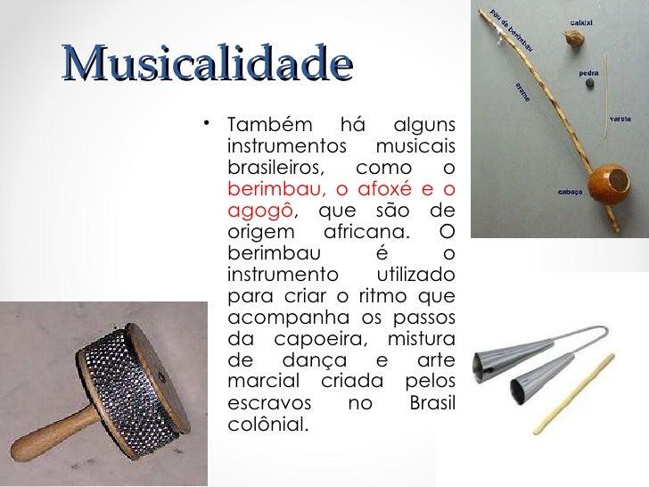 Capoeira• Até o ano de 1930, a  prática da capoeira ficou  proibida no Brasil, pois era  vista como uma prática  violenta ...