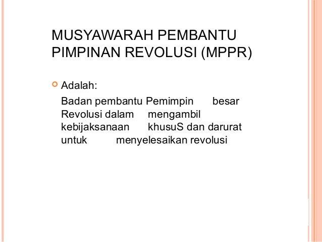 PADA MASA DEMOKRASI TERPIMPIN : Ada 3 Kekuatan Politik yaitu: 1. Presiden Soekarno 2. Partai Komunis Indonesia (PKI) 3. TN...