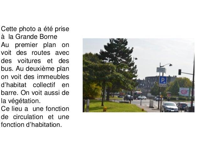 Cette photo a été prise avenue Victor Schoelcher. Au premier plan on voit une route. A l'arrière plan, on voit la caserne ...