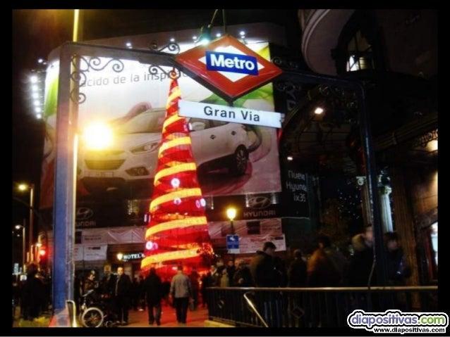 en  la gran vía no podía faltar otro árbol especial el de la tienda oficial del REALMADRID