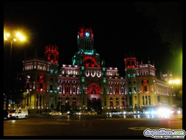 Empezamos el recorrido por un emblema de Madrid  la plaza de Cibeles  de colores nos recibe