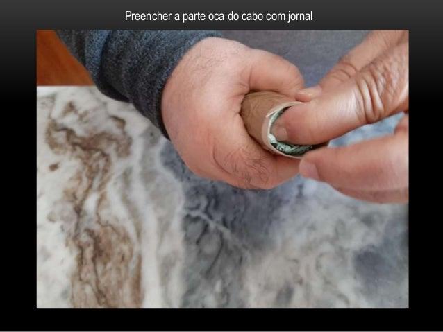 Revestir com fita-cola o fundo do cabo