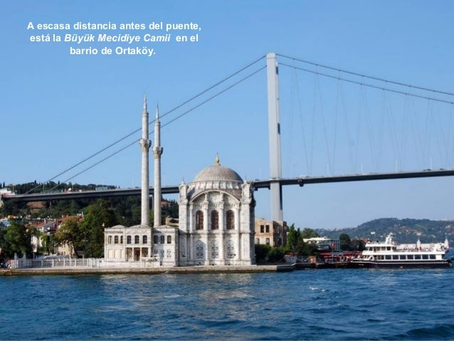 Data del siglo XIX y es de estilo  neobarroco otomano. Aquí venían en  barca los sultanes que vivían en el  cercano Palaci...