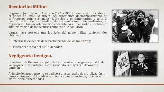 Revolución Militar El general Juan Velasco Alvarado (1968-1975) rodeado por oficiales en el poder en 1969. A través del si...