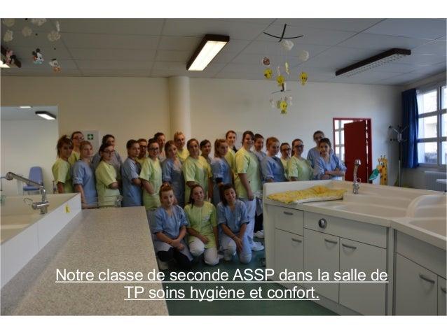 Notre classe de seconde ASSP dans la salle de  TP soins hygiène et confort.