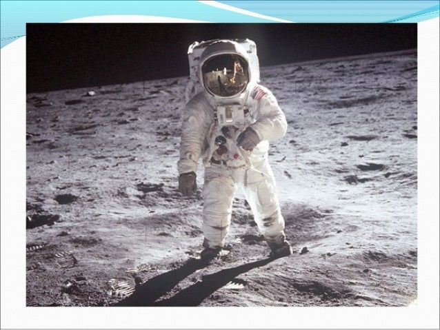 first man to moon The first human being to walk on the moon was born on august 5, 1930, in wapakoneta, ohio neil armstrong always wanted to be a pilot and got his pilot's license when he was 16, even before getting his driving license.