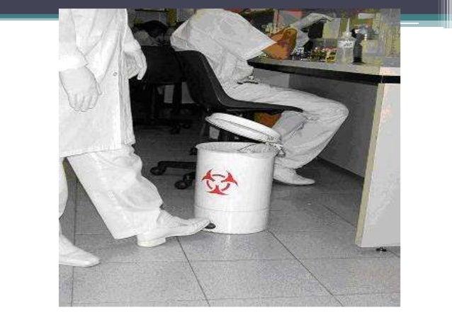 COLETA E TRANSPORTE EXTERNOS• Remoção dos RSS, do abrigo de resíduos  (armazenamento externo), até a unidade de  tratament...