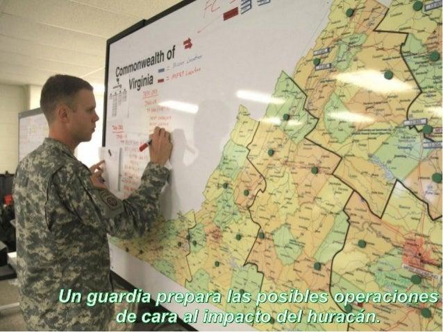 Un guardia prepara las posibles operaciones      de cara al impacto del huracán.