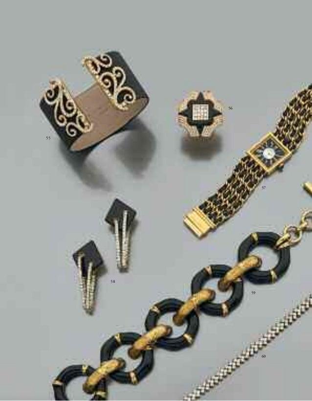 68  68 - PAIRE DE CLIPS D'OREILLES EN CŒUR  d'or jaune godronné, articulés par un petit diamant. Poids : 27,5 g.  A pair o...