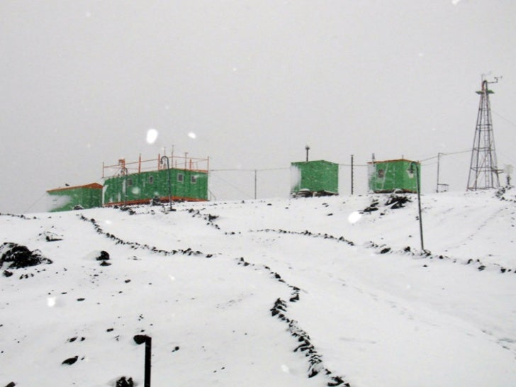 Material characteristics suitablefor the Antarctic environment•   corrosion resistance•   non-toxic (no harm to the enviro...
