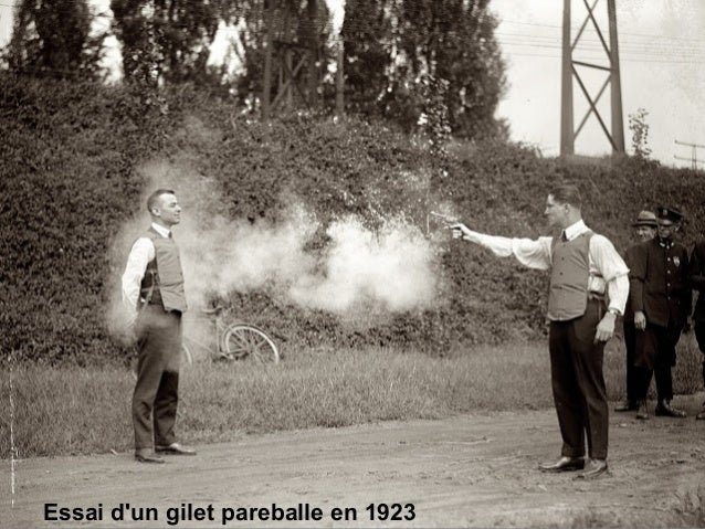 Essai d'un gilet pareballe en 1923