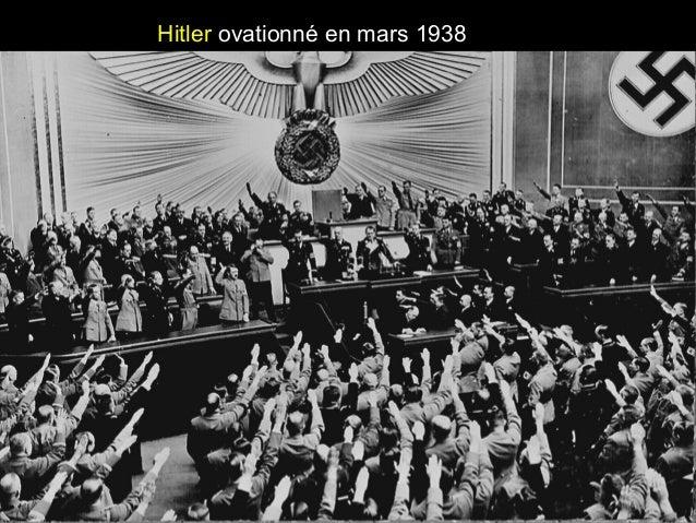 Hitler ovationné en mars 1938