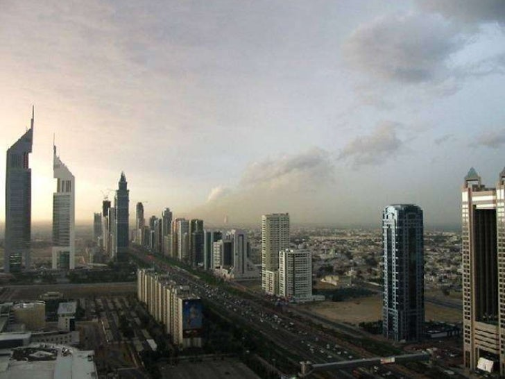 Trends of Vertical Structures in the Middle East   • Western Vs Middle East Tall Buildings Trends:     From Chicago and Ne...