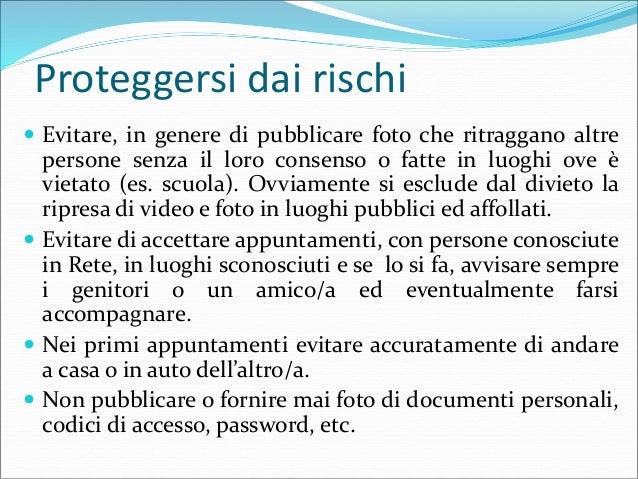 Proteggersi dai rischi  Utilizzare password robuste per accedere ai social network, diverse da quelle usate per altri ser...