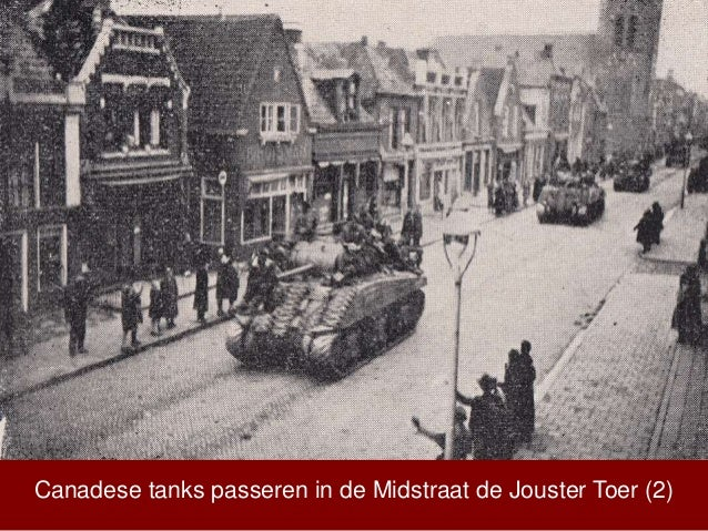 Canadese tanks passeren in de Midstraat de Jouster Toer (2)