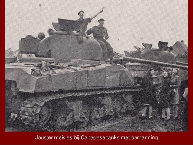 Jouster meisjes bij Canadese tanks met bemanning