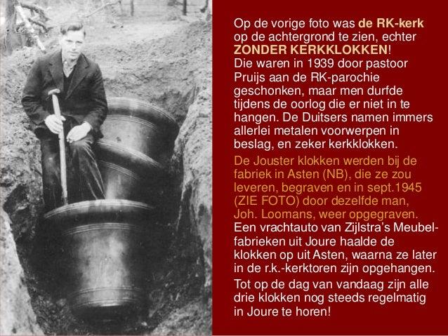 Op de vorige foto was de RK-kerk op de achtergrond te zien, echter ZONDER KERKKLOKKEN! Die waren in 1939 door pastoor Prui...