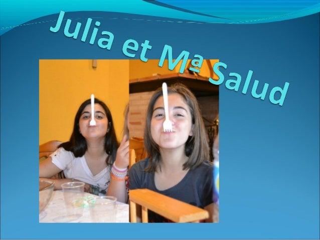 C'est mon amie. Elle s'appelle Julia, elle a 14 ans, elle est de taille moyenne et elle est mince. Elle a les cheveux mi-l...