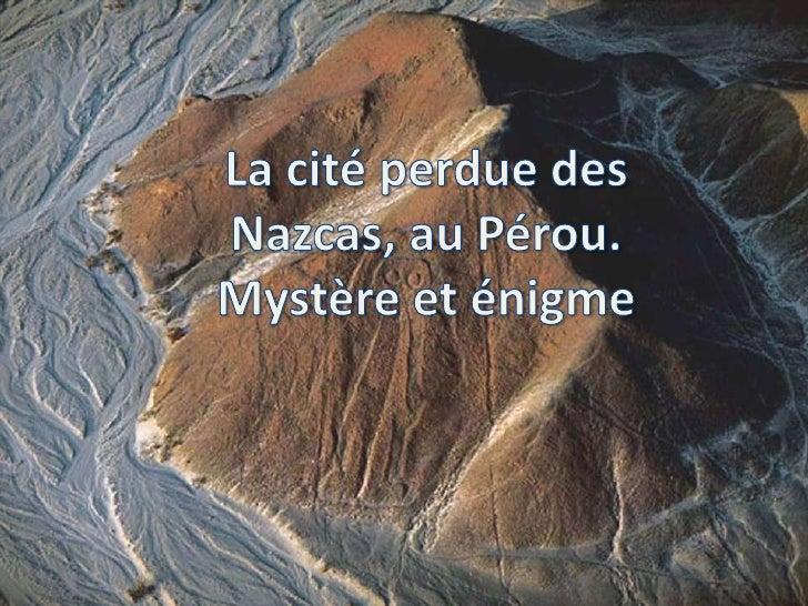 Vue du ciel, les lignes de Nazca, qui sont                                   situées dans le désert péruvien au sud       ...