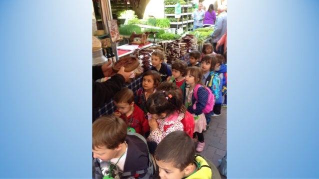 Les Marietes visiten el mercat de la Seu d'Urgell