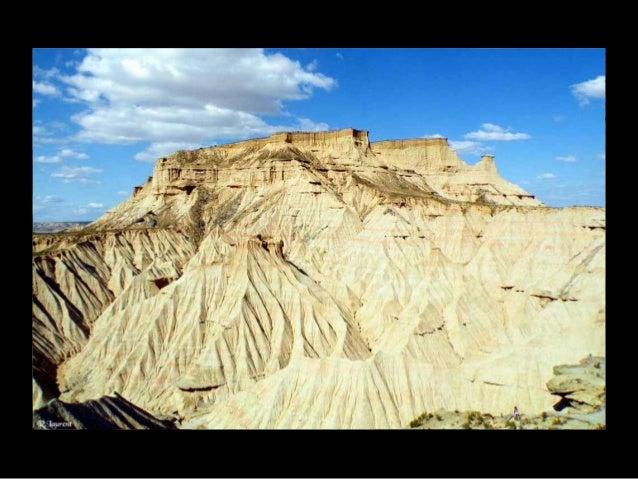 Barranco Grande, domaine des vautours avec les falaises de Ralla .