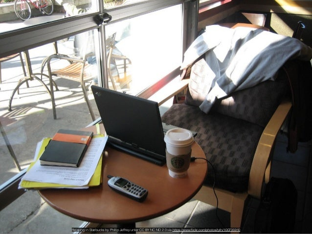 Starbucks by ecneralx unter CC BY NC SA 2.0 via https://www.flickr.com/photos/psalmist/181420186