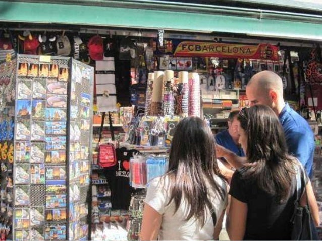 Looking for Souvenirs (La Rambla)...