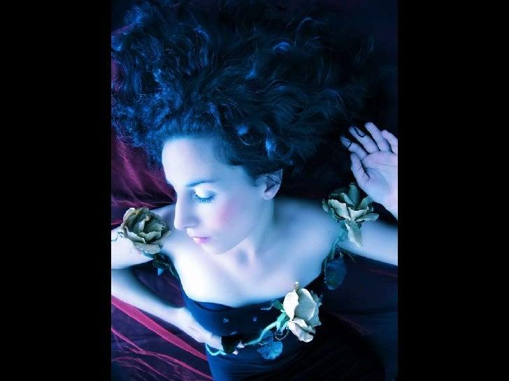Looks   Girl In Your Bed   AdéLia Prado