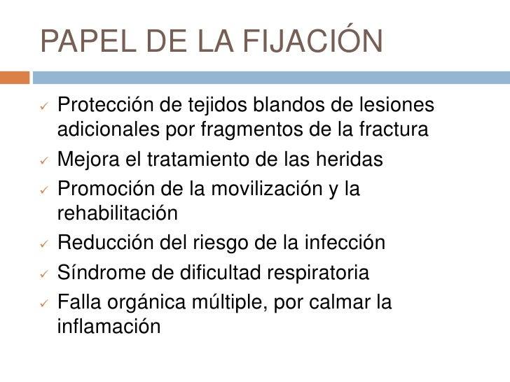 <ul><li>El desbridamiento quirúrgico completo se considera el tratamiento estándar de atención para todas las fracturas ab...