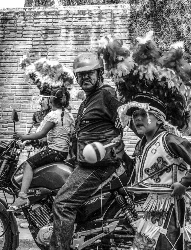 13 No intentes entender a México desde la razón, tendrás más suerte desde lo absurdo, México es el país más surrealista de...