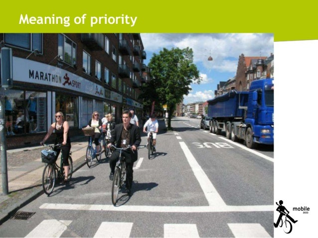 Meaning of priority  32 Integrated Transport Planning - CEE Practice (Hungary)  © 2011, Mobile 2020