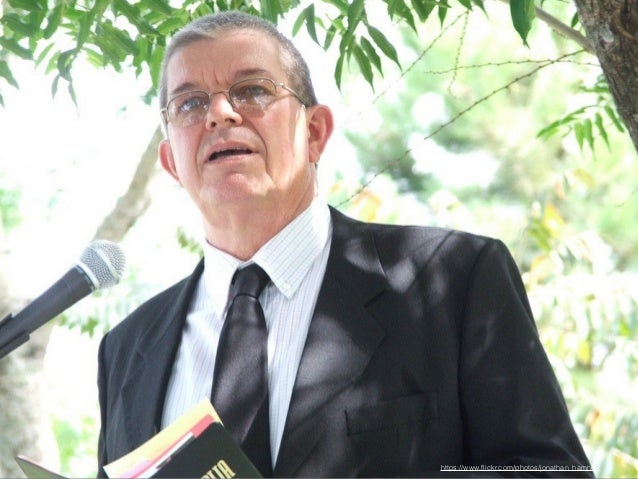 Picture of professor  https://www.flickr.com/photos/maaorg/