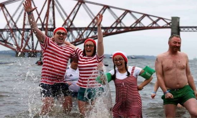 New Year's Day Loony Dook swim at South Queensferry in Scotland, Britain January 1, 2016.