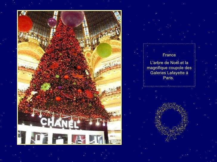France L'arbre de Noël et la magnifique coupole des Galeries Lafayette à Paris.