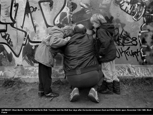 GERMANY. West Berlin. The Fall of the Berlin Wall. Tourists visit the Wall four days after the borders between East and We...