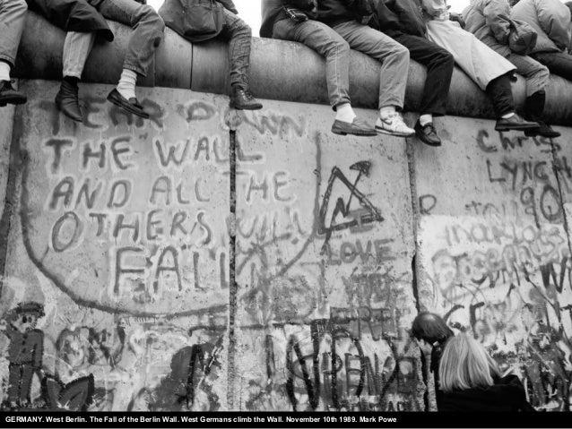 GERMANY. West Berlin. The Fall of the Berlin Wall. West Germans climb the Wall. November 10th 1989. Mark Powe
