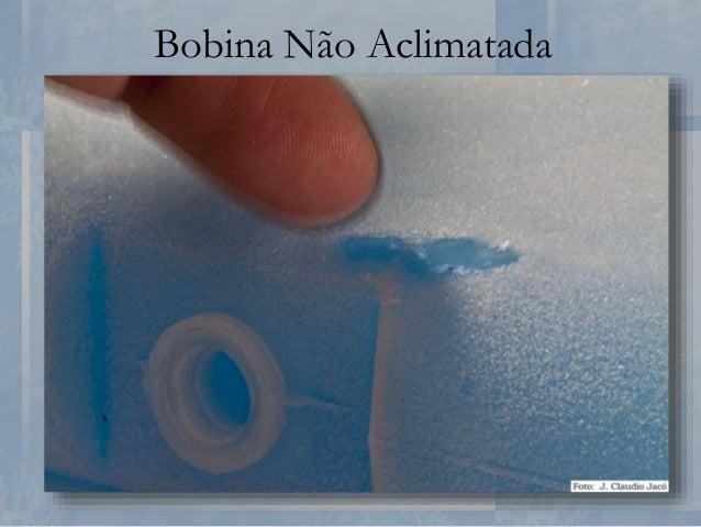 Caixa Térmica • Estabelecer uma proporção adequada entre a quantidade de imunobiológicos e a quantidade de gelo reciclável...