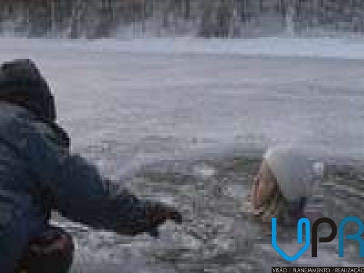 Conta certa lenda que estavam duas   crianças patinando num lagocongelado. Era uma tarde nublada e                fria.