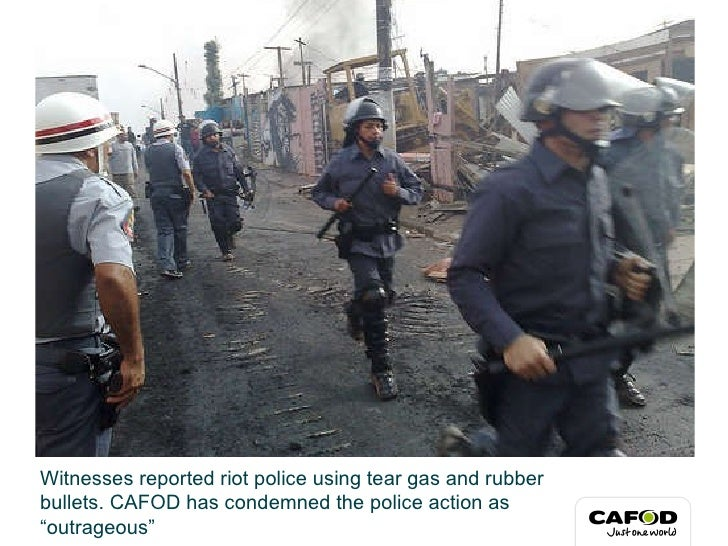 Tear gas and rubber bullets as families evicted Slide 2