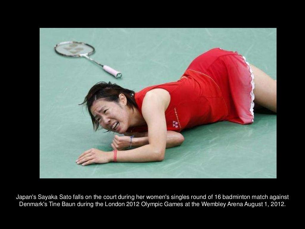 Japans Sayaka Sato falls on