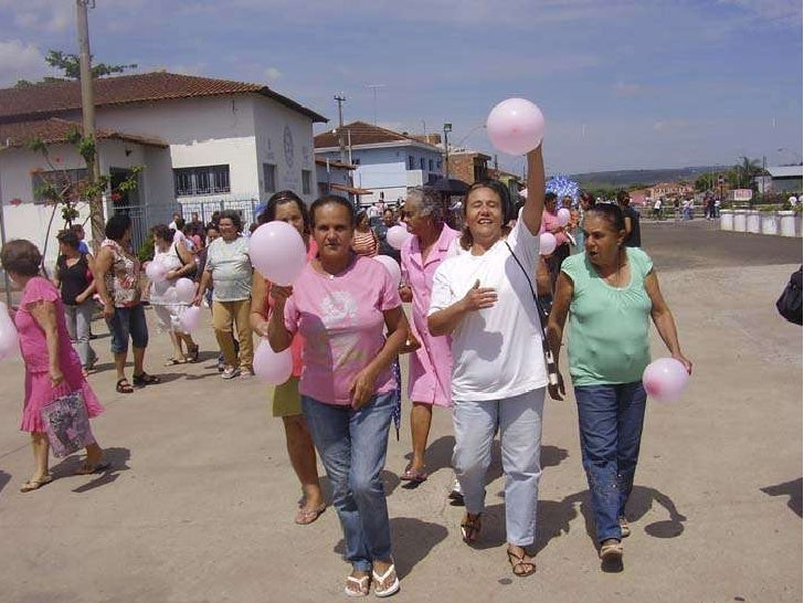 Outubro rosa monte santo de minas contra o cancer de mama