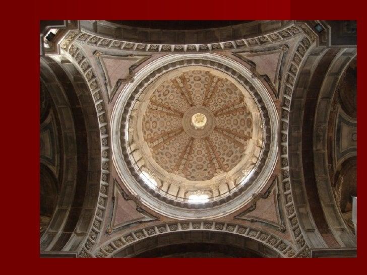 Fachada da basilica               Colunas               Contrafortes               Janelas               Nichos       ...