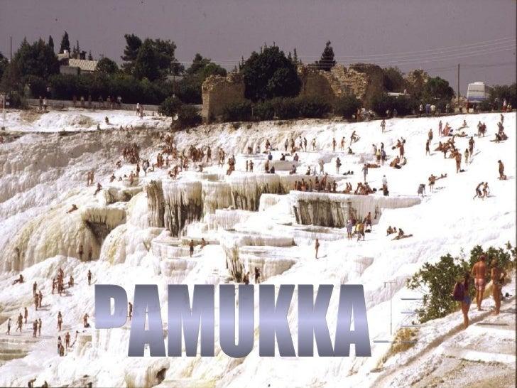 Pamukkale é uma dasmaravilhas naturaismais extraordináriasda Turquia.A grande atração é aimensidão branca dopenhasco comba...