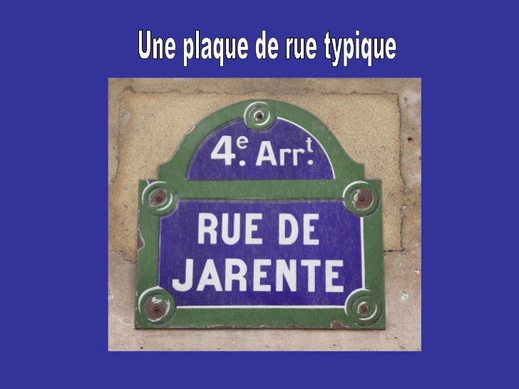 Une plaque de rue typique