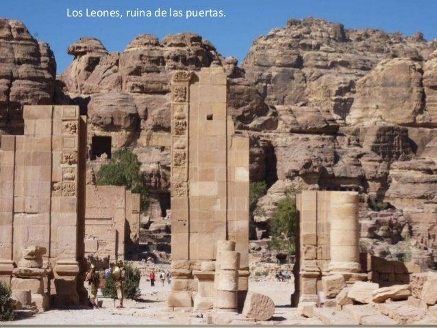 Wadi Rum es conocido sobre todo por haber sido el centro de operaciones de Lawrence de Arabia durante la rebelión árabe de...